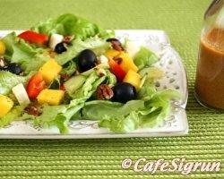 Einfalt, sumarlegt og litríkt salat